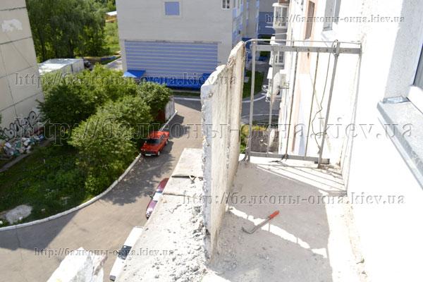 Фотографии выполненных работ по остеклению балконов.